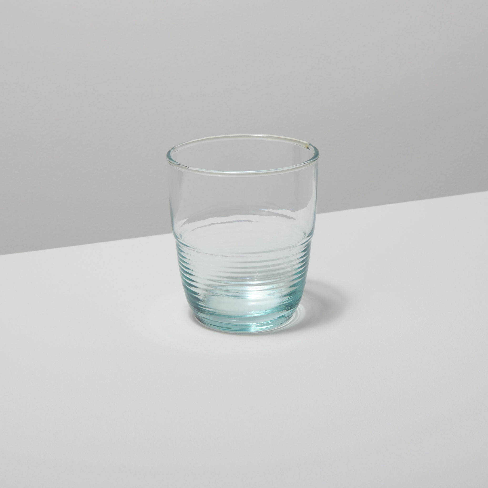 Be-Home_Recycled-Glass-Ripple-Tumbler-Short_46-03