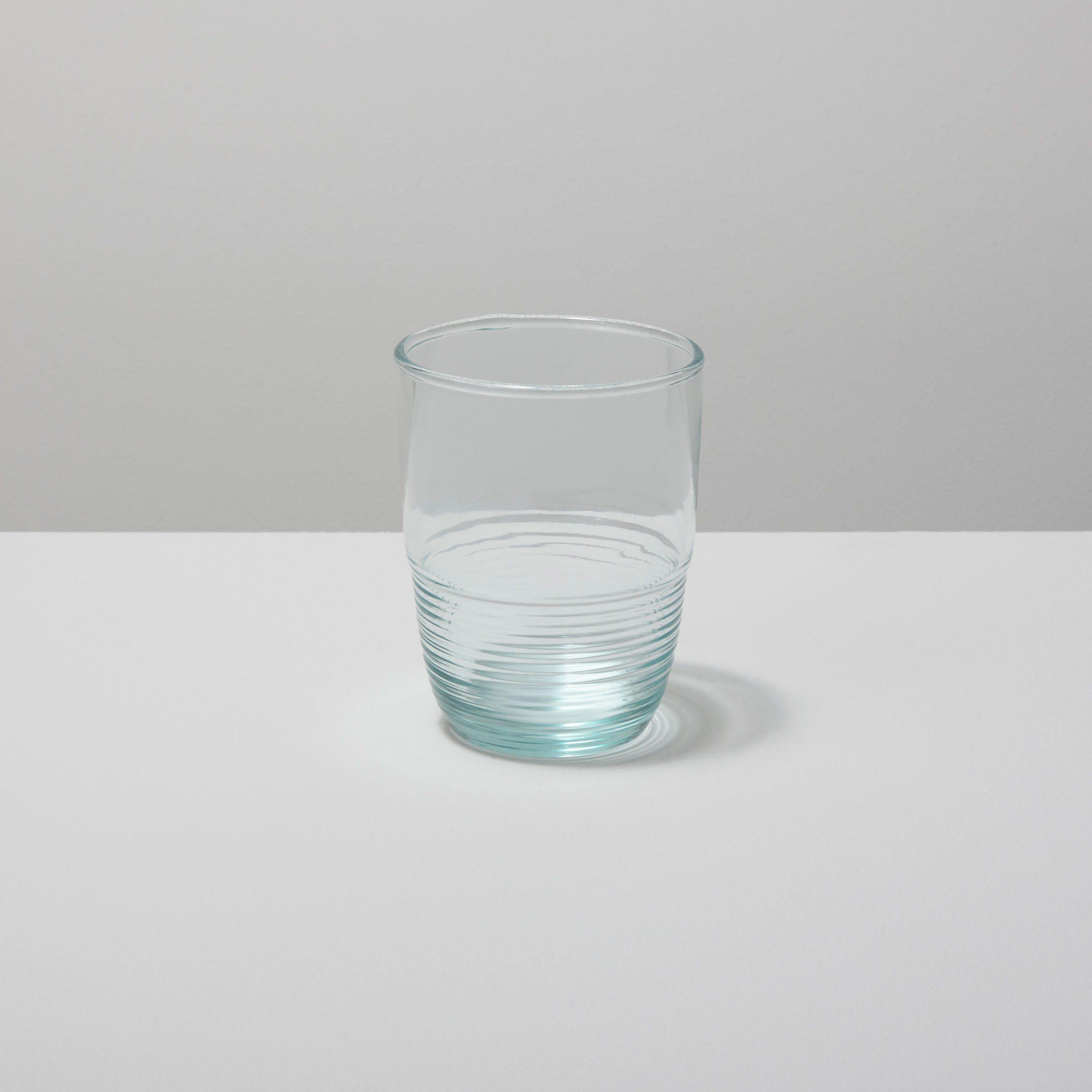 Be-Home_Recycled-Glass-Ripple-Tumbler_46-04