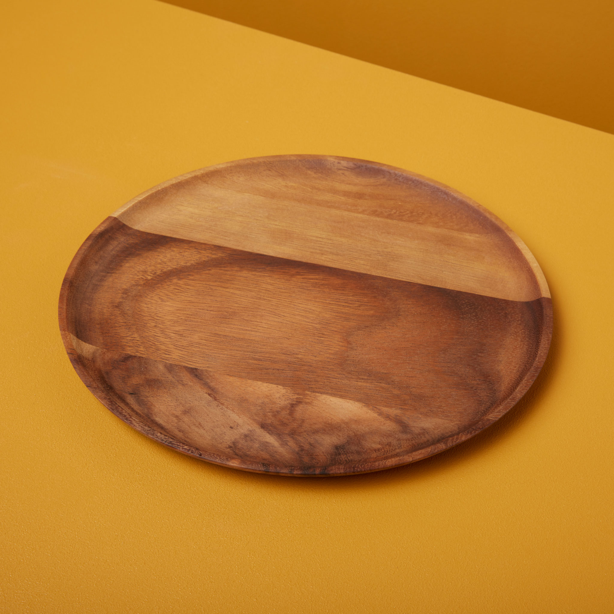 Be-Home_Acacia-Round-Plate-Medium_41-02
