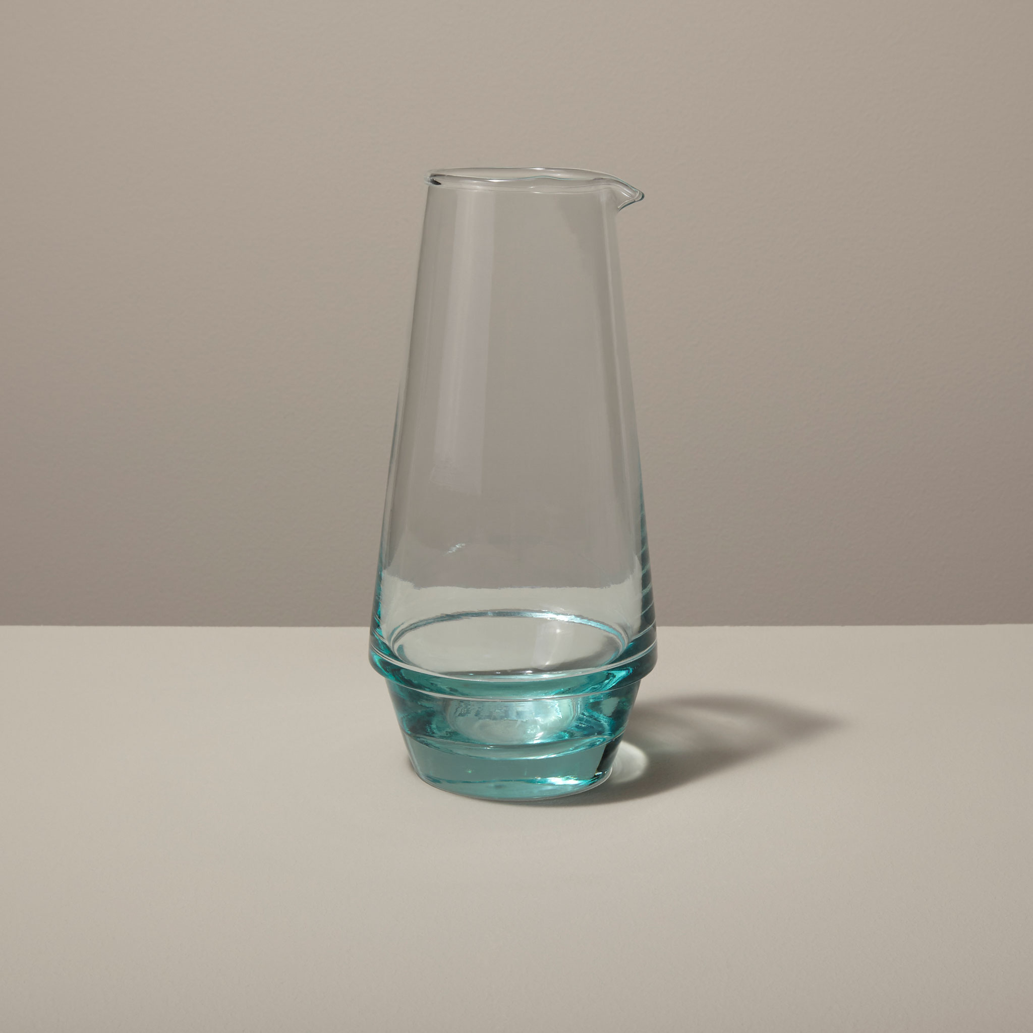Be-Home_Recycled-Glass-Carafe_46-15