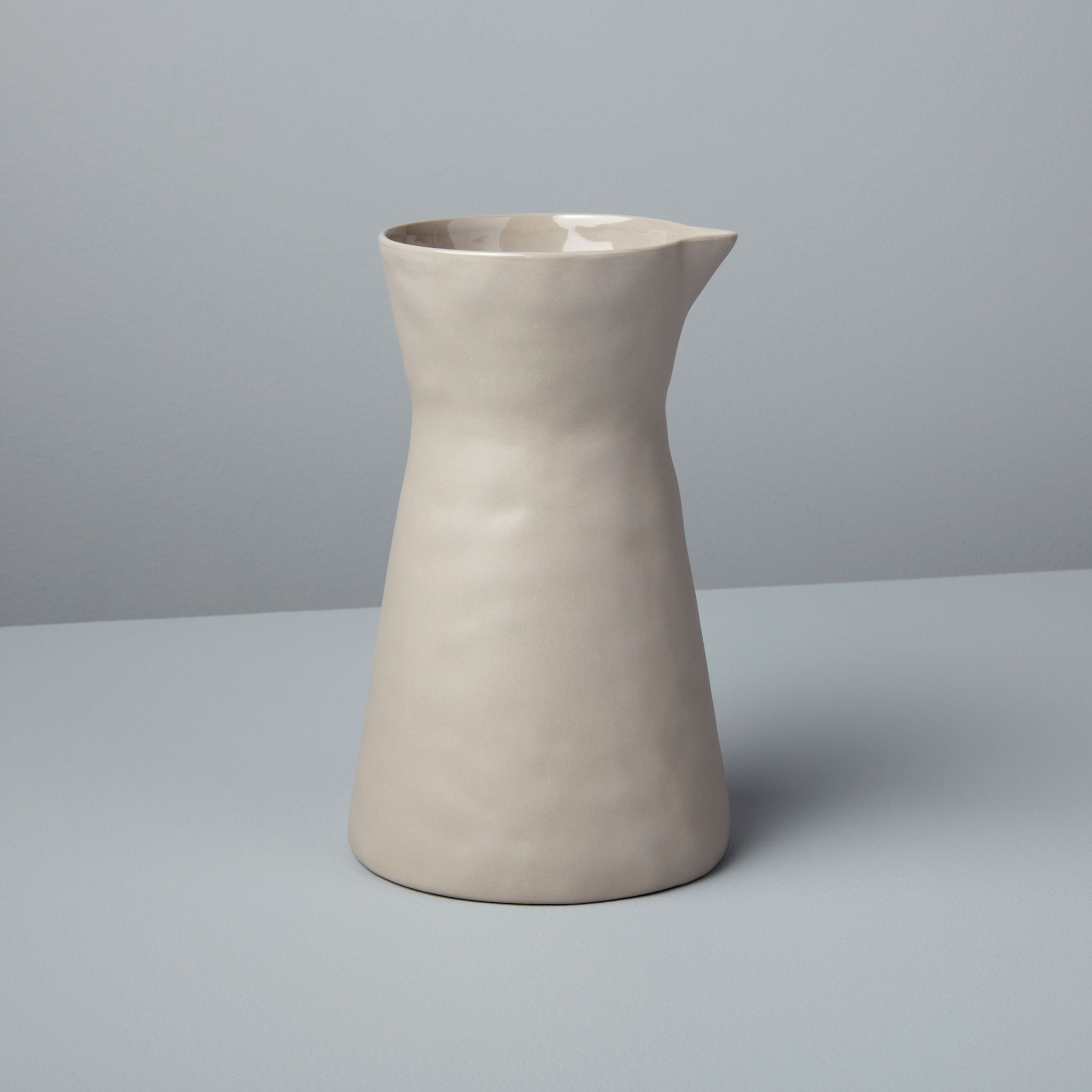 Be-Home_Stoneware-Carafe-Sterling_64-06