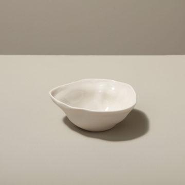 Stoneware Pinch Bowl, White