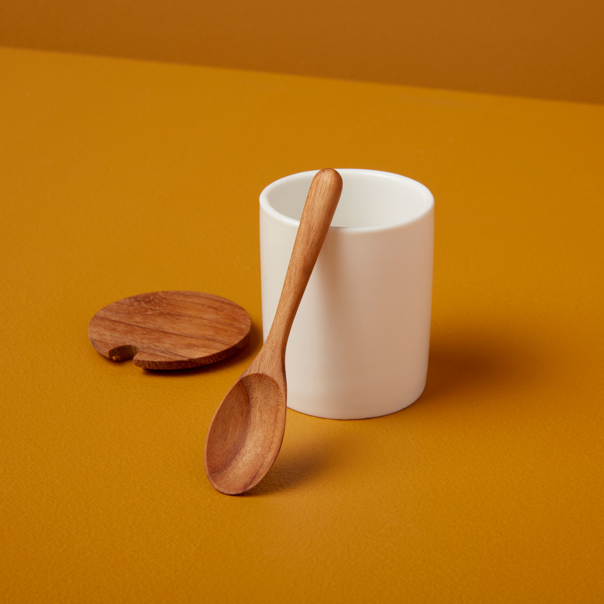 Be-Home_Ceramic-Mini-Cellar-with-Teak-Lid-and-Spoon_390-121
