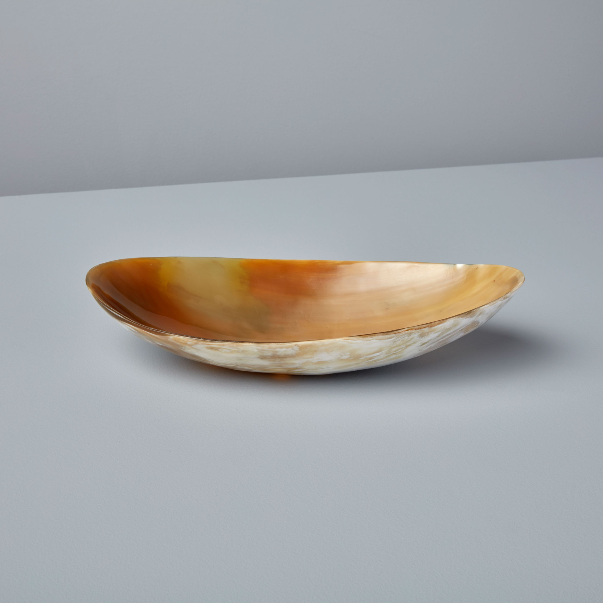 Be-Home_Light-Horn-Oval-Bowl-Extra-Large_07-311