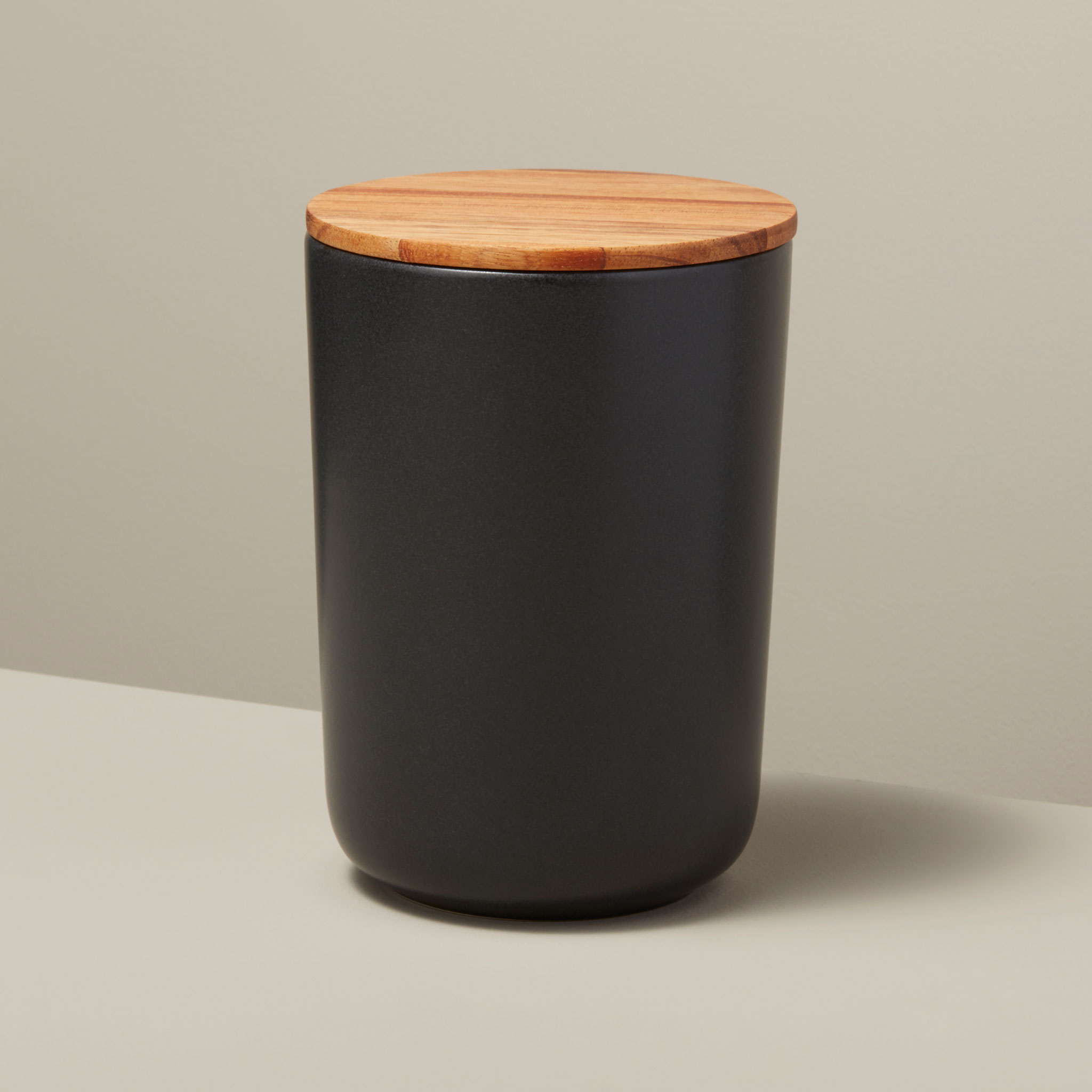 Be-Home_Stoneware-Container-with-Acacia-Lid-BLack-Extra-Large_52-11BK