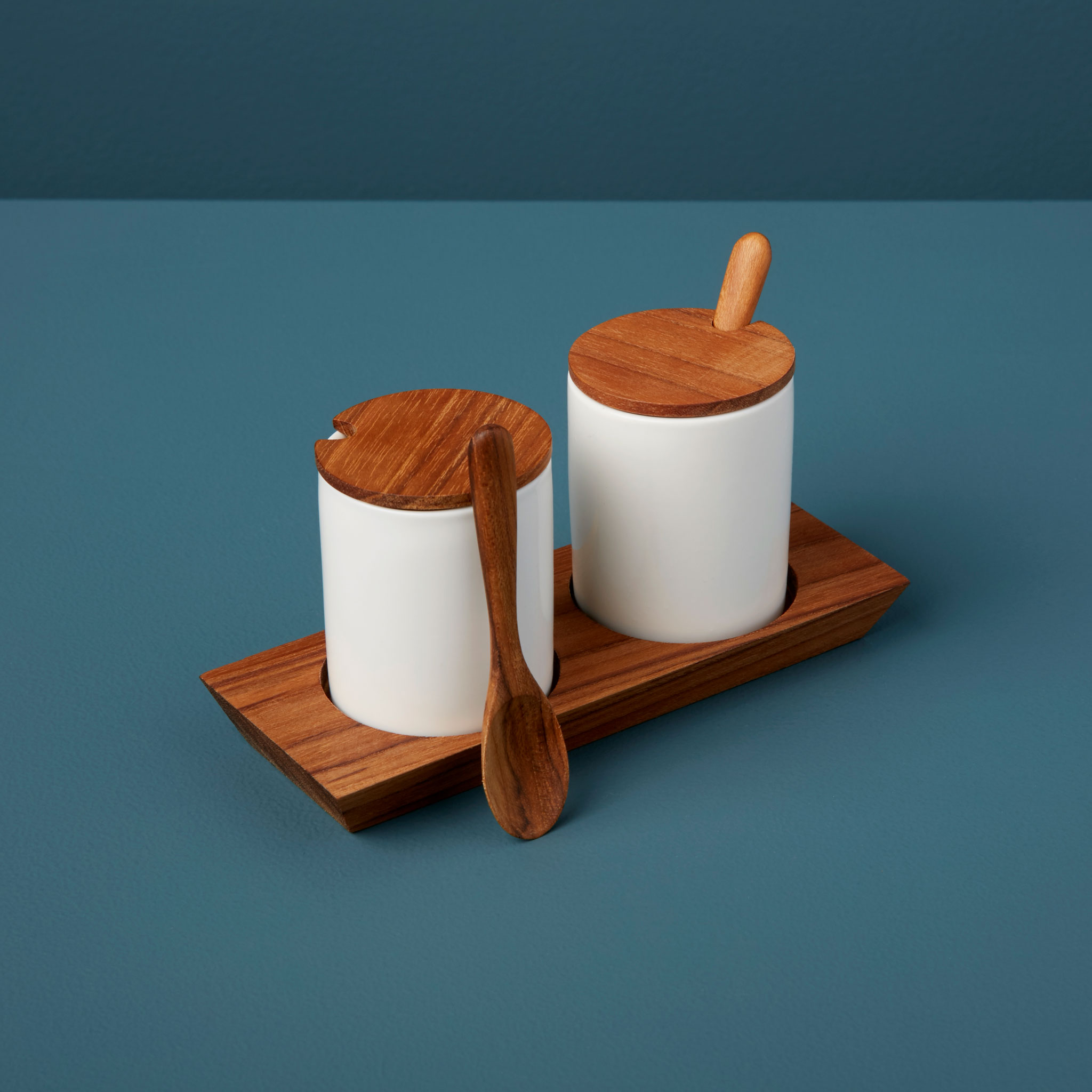 Be-Home_Teak-Tray-with-Ceramic-Mini-Cellars-with-Teak-Lid-and-Spoon_390-122