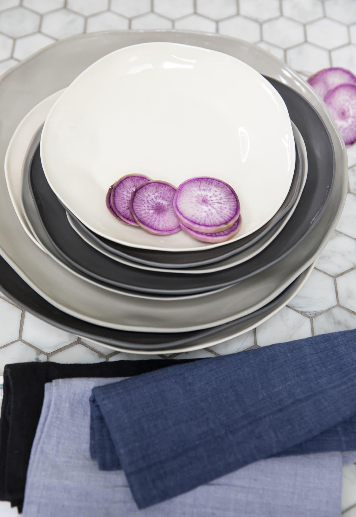 Stoneware Flate Plate Slate Medium 2