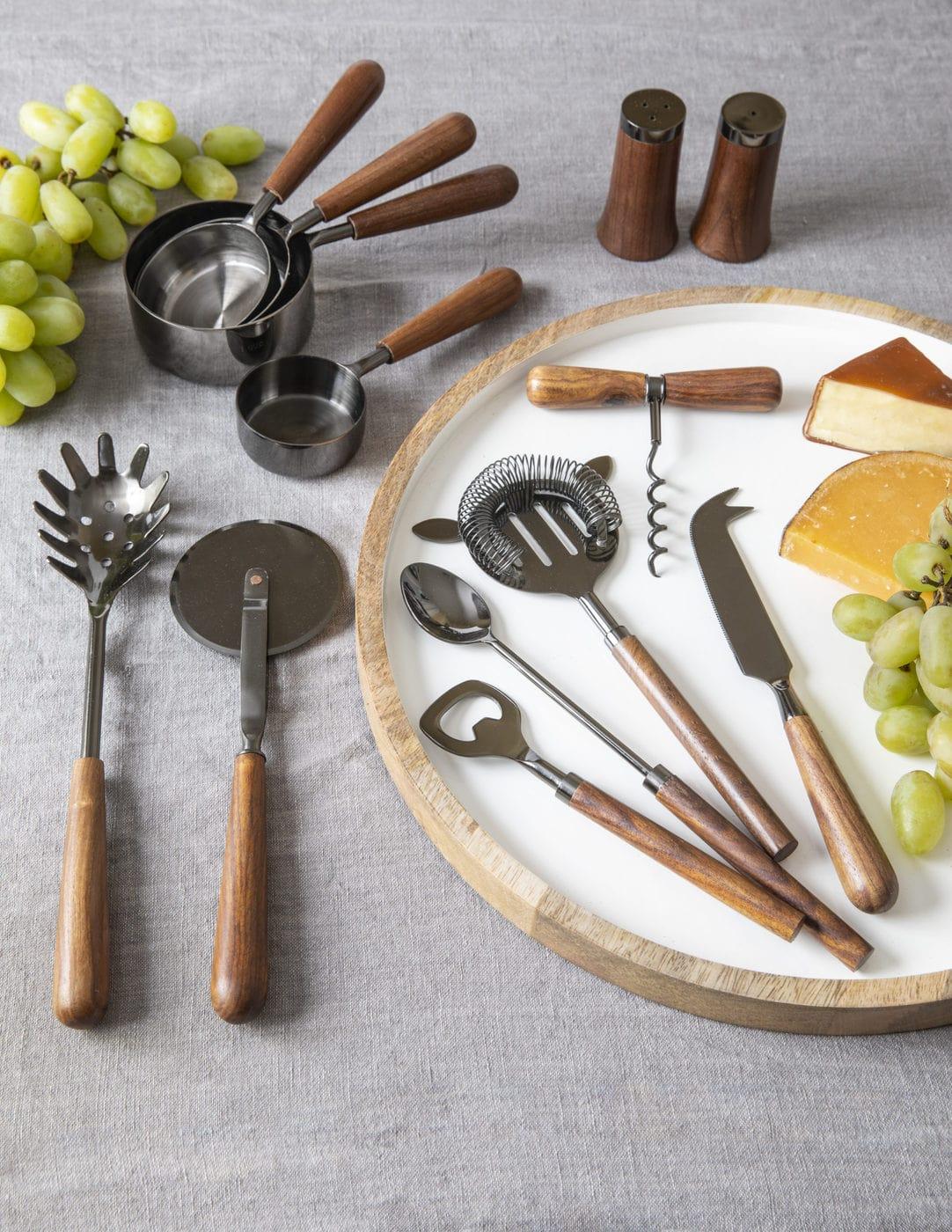 Onyx & Wood Cheese Knife 3