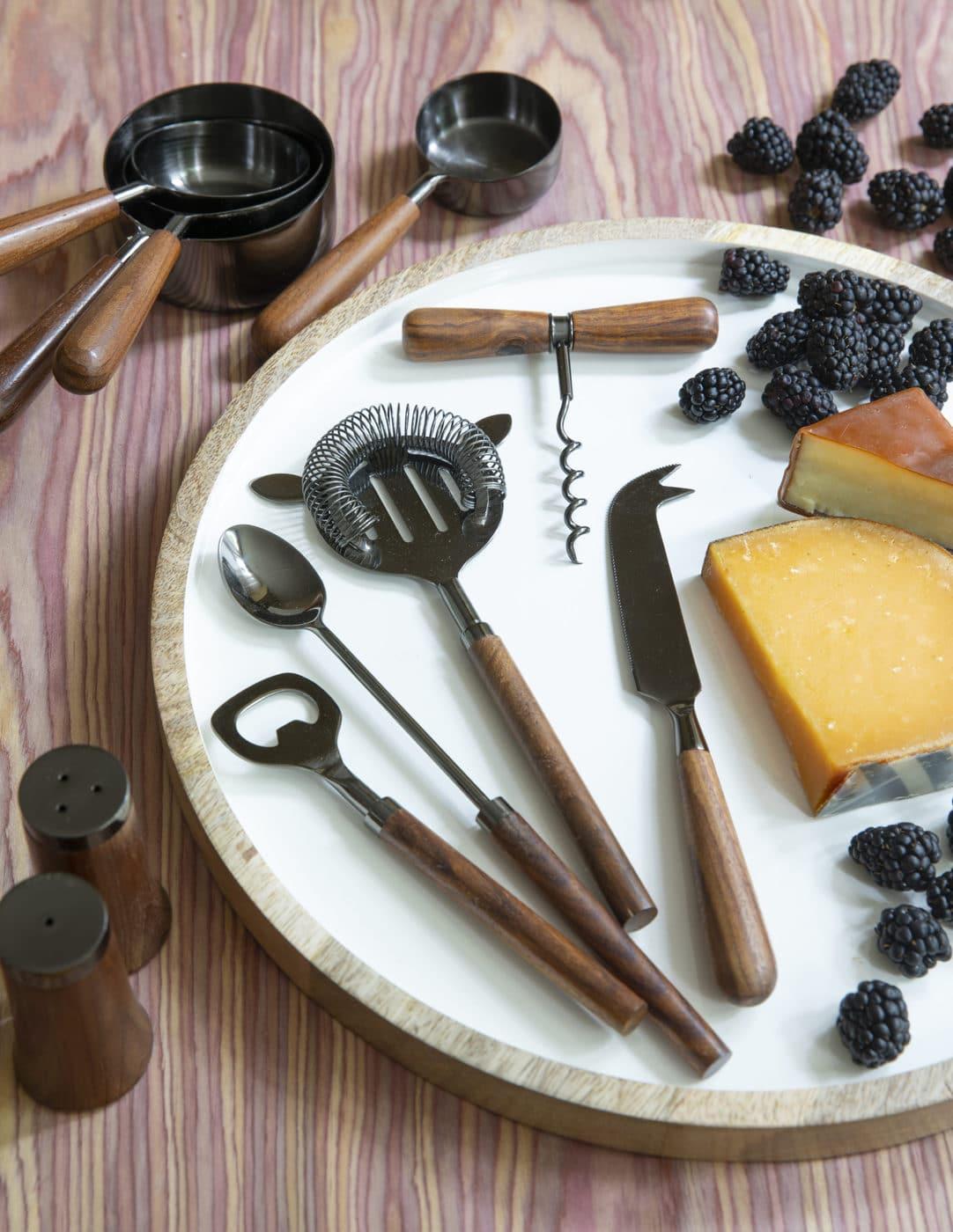 Onyx & Wood Cheese Knife 2