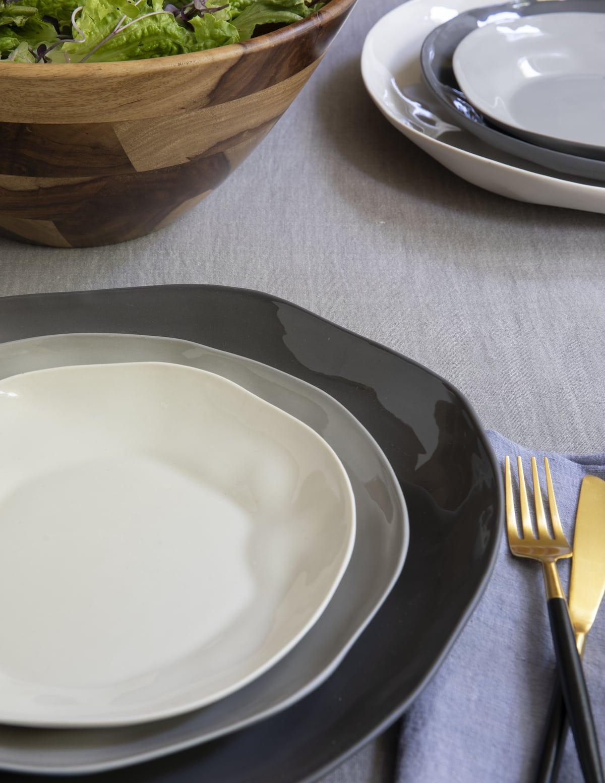 Stoneware Flat Plate Sterling Medium 4