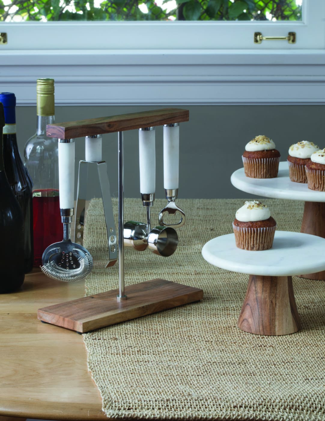 White Marble & Wood Cake Stand, Large 2